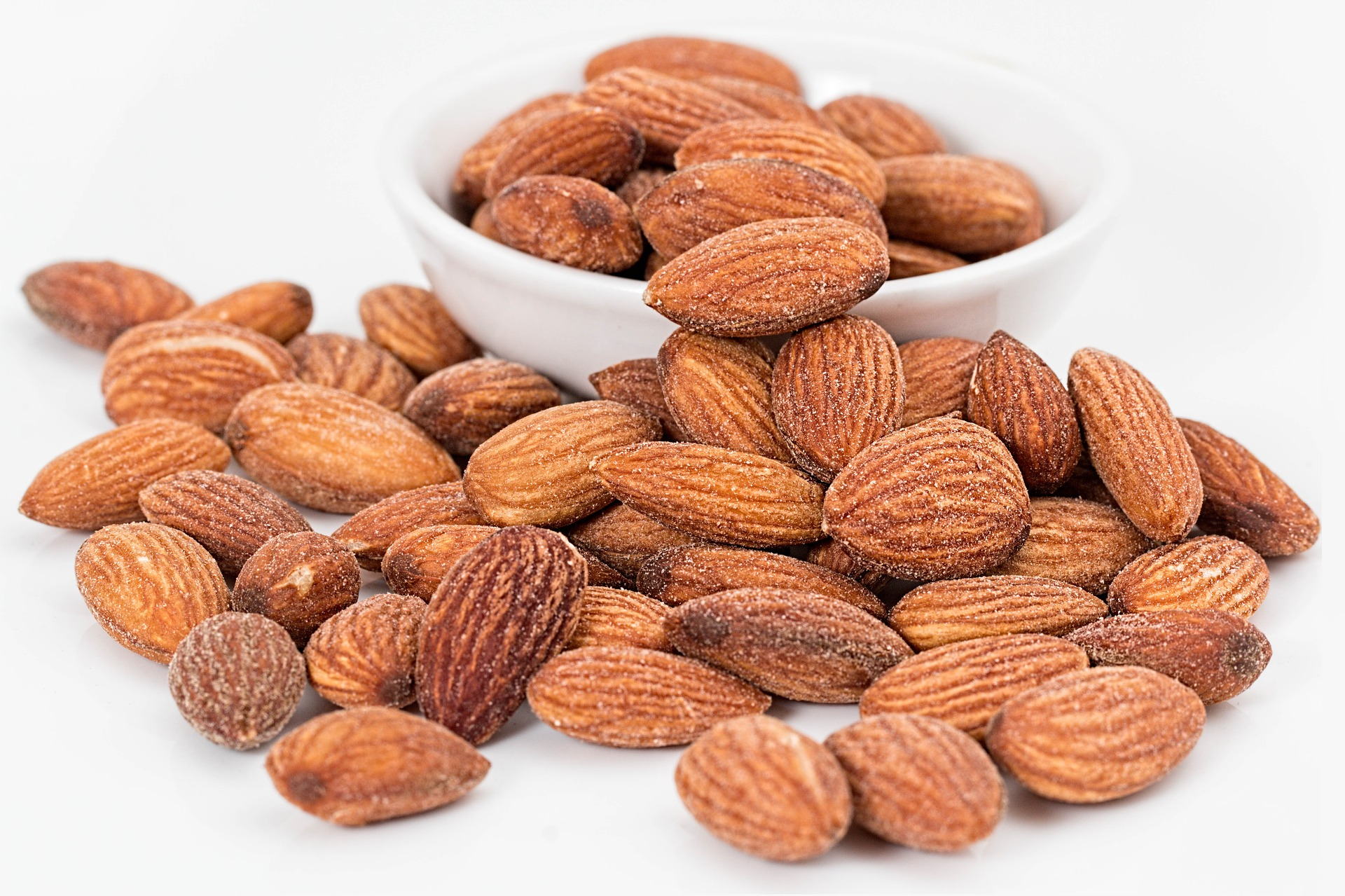 almond rich in iron